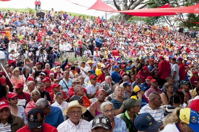 Esperan encuentro Maduro y  Capriles en Palacio