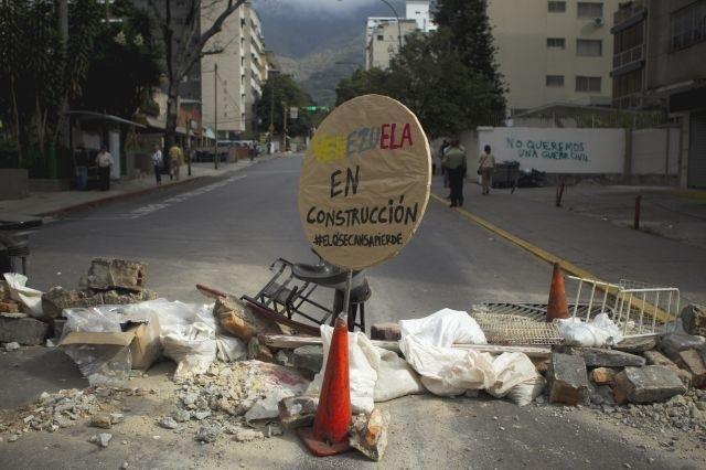 Ciudad opositora sufre gran escasez en Venezuela