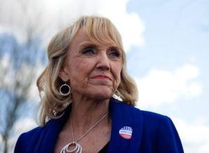 Gobernadora veta ley contra homosexuales en Arizona