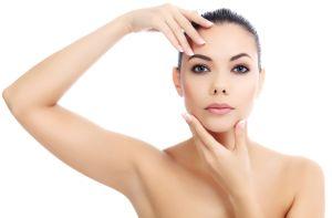 Cremas: Lo que deben incluir para que tu piel se vea joven