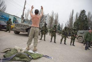 Senado ruso autoriza ingreso de tropas en Ucrania