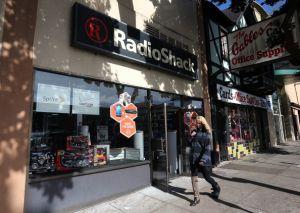 Radio Shack confirma cierre de 1,100 tiendas en EEUU