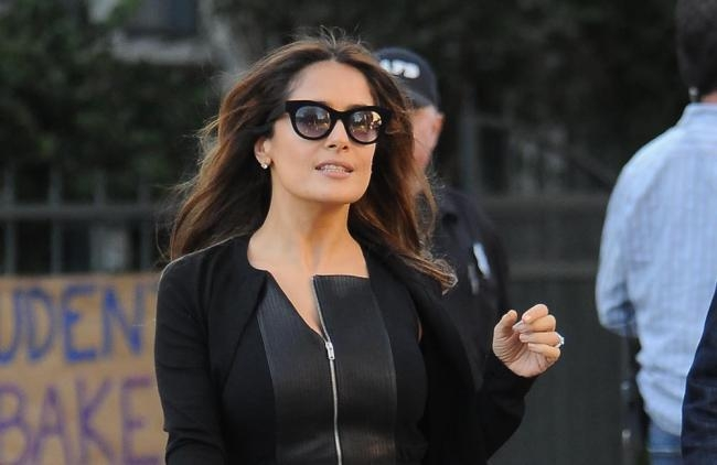 "Salma Hayek se ve de sirvienta muda en ""Downton Abbey"""