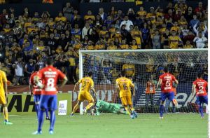 Tigres quita lo invicto a Cruz Azul