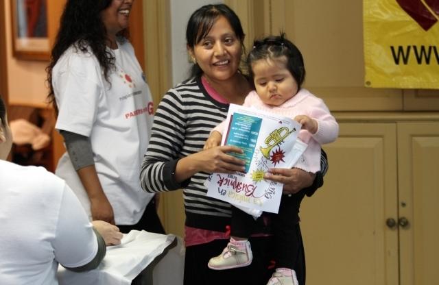 Piden ayuda monetaria para cuidado de hijos en NYC