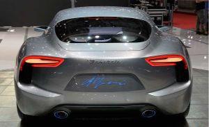 Maserati encara el futuro mirando al pasado