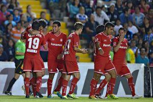 Toluca vence 2-0 a Gallos y le pisa los talones a Cruz Azul (Video)