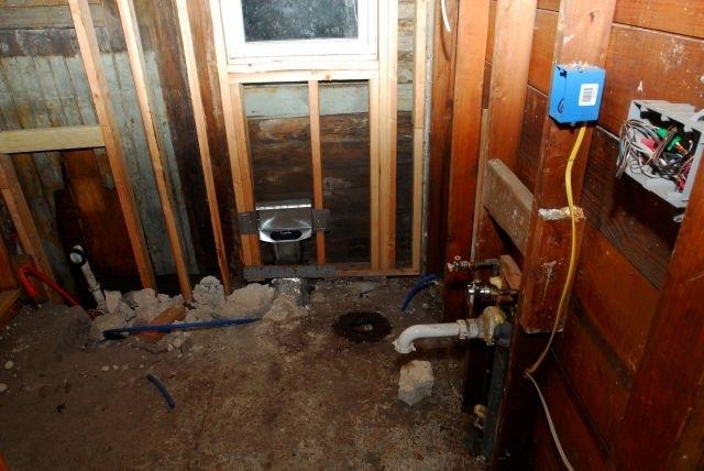 Algunos afectados por el Huracán Sandy aún viven sin servicios básicos como el de calefacción.