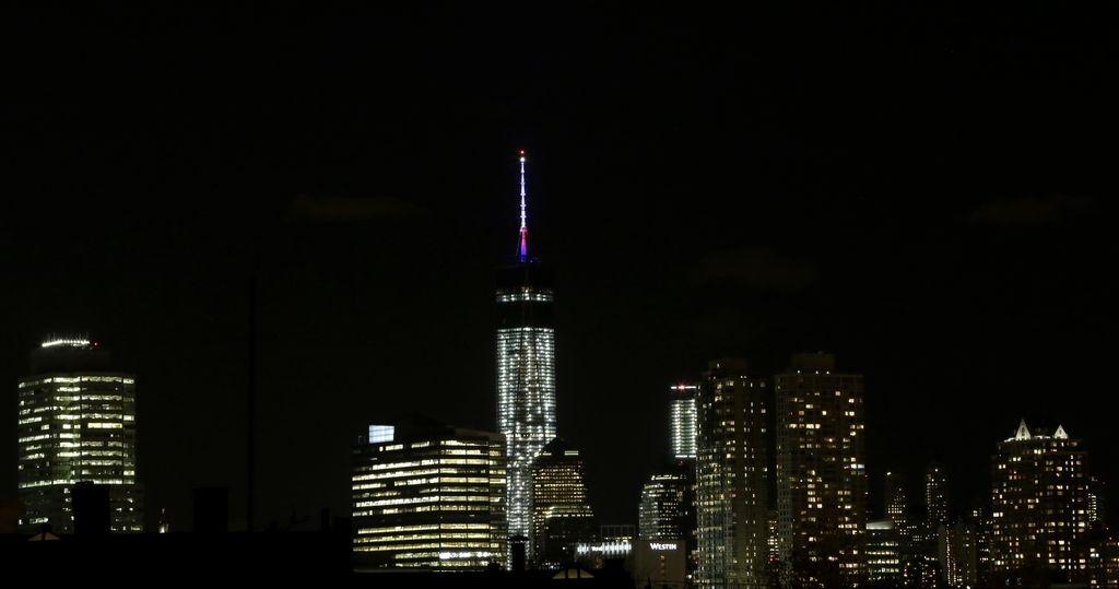 Arrestados por saltar de lo alto del World Trade Center (video)