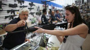 Georgia permitirá tener armas en iglesias y escuelas