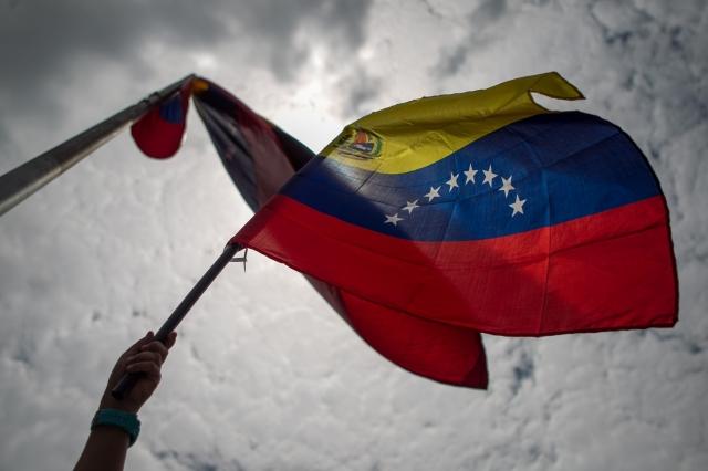 El enemigo en Caracas es amigo en La Habana