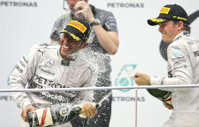 Escudería Mercedes hace el 1-2 en Malasia