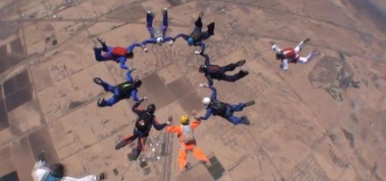 Muere paracaidista que buscaba récord mundial en Arizona