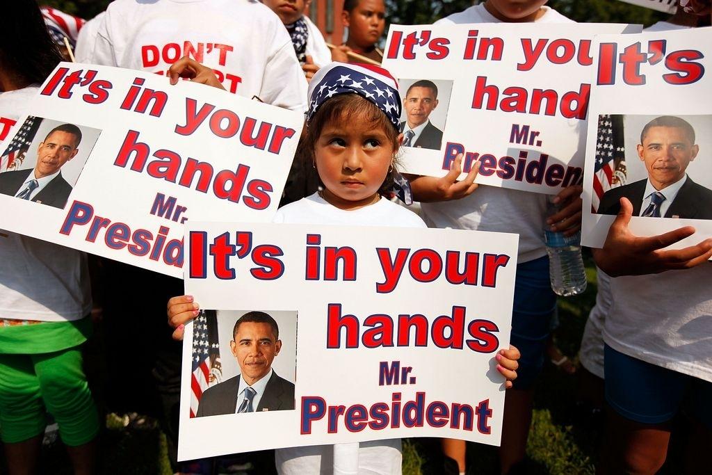 Critican con fuerza a Obama por deportaciones