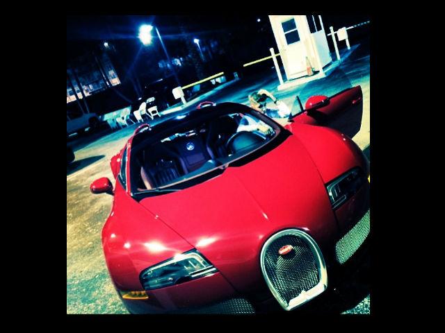 Regalan a Bieber un Bugatti