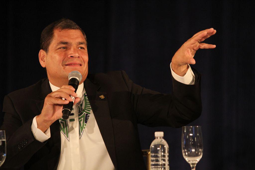 Presidente ecuatoriano emite desde Queens su 'enlace ciudadano'