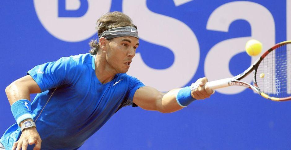Rafael Nadal avanza en el torneo de Barcelona