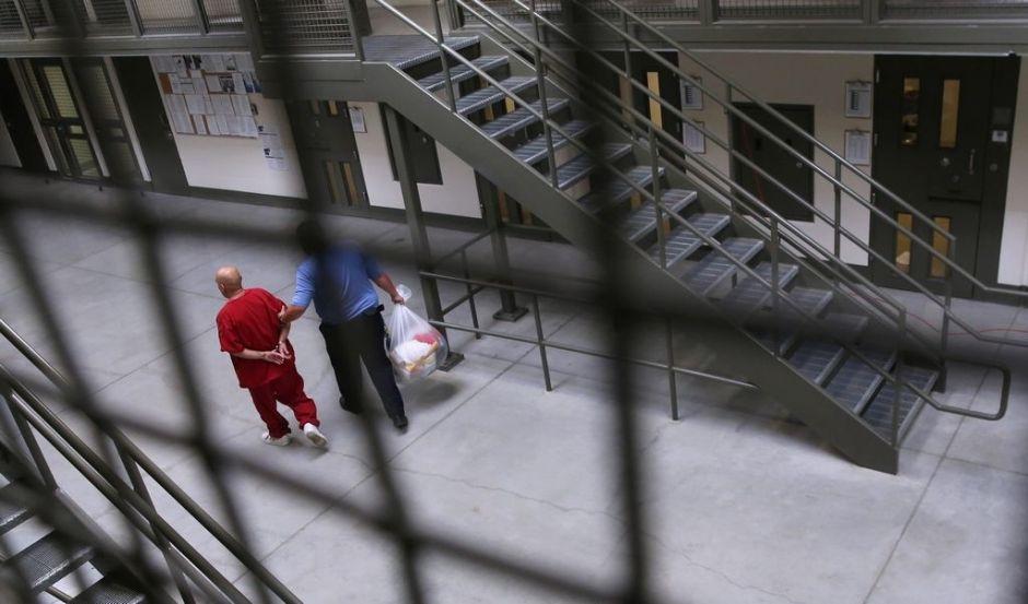 Más presos en EEUU podrán solicitar clemencia
