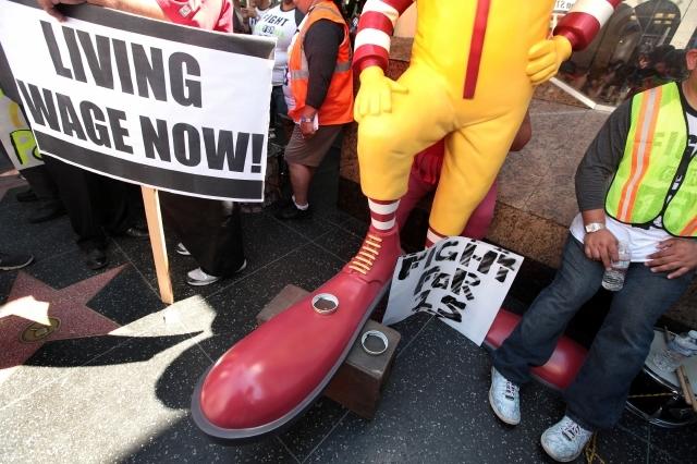 """Trabajadores de """"fast foods"""" con los peores salarios en EEUU"""