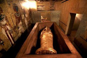 Egipto inaugura réplica de la tumba de Tutankamón