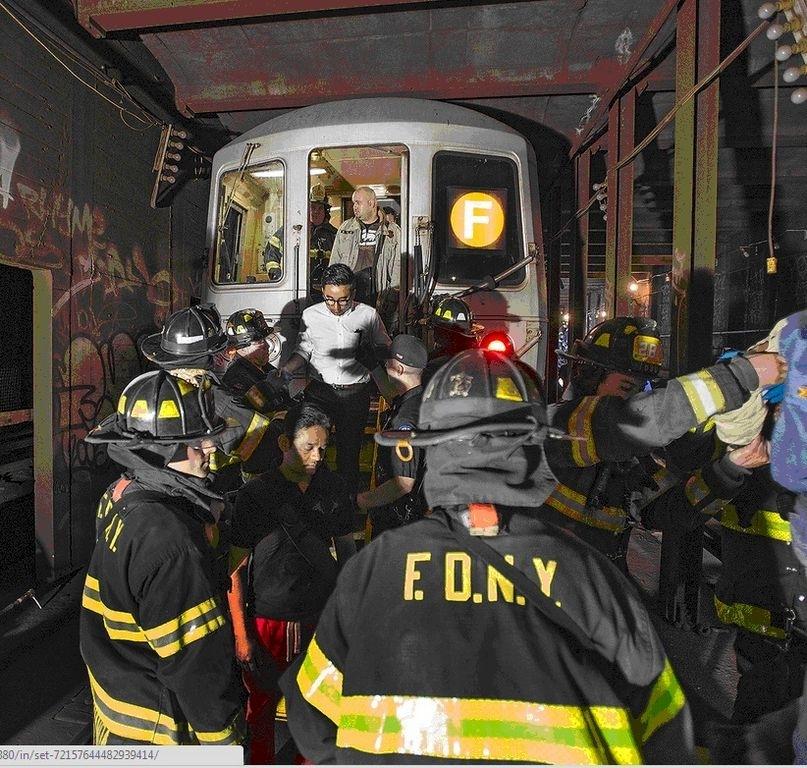 Autoridades desconocen causa de descarrilamiento de tren en Queens