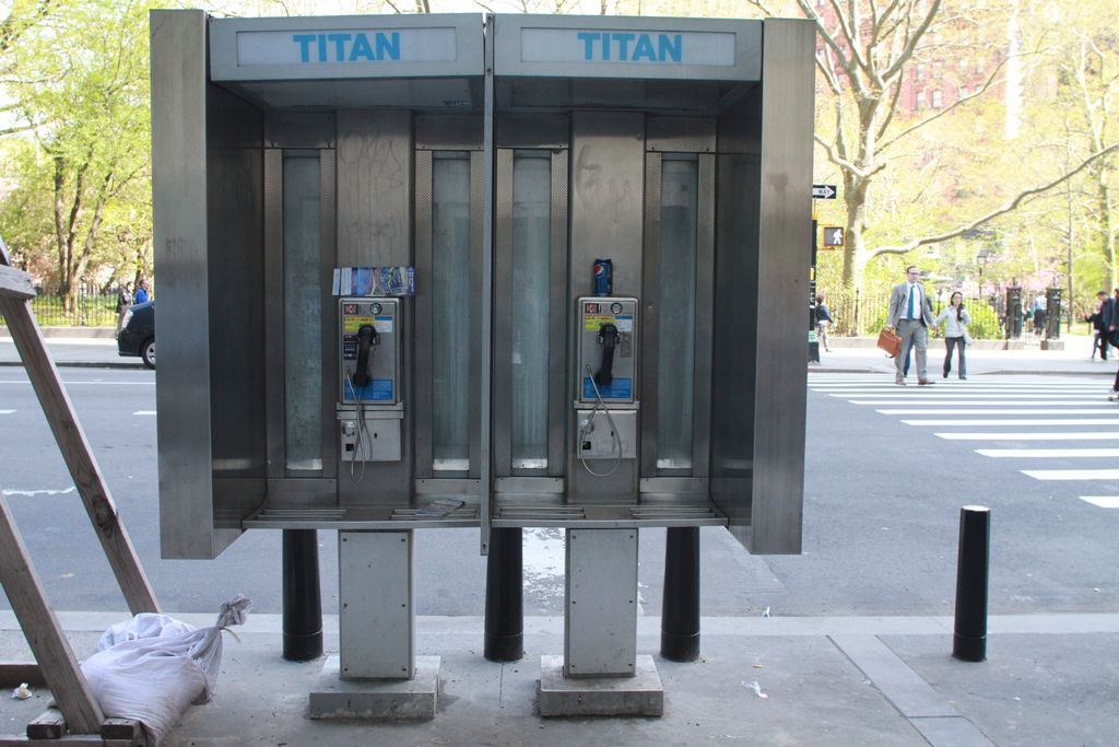 Teléfonos públicos podrían ofrecer internet gratis en NYC
