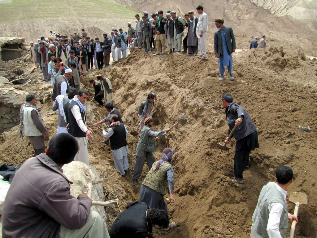 Aldea será fosa común tras deslave en Afganistán