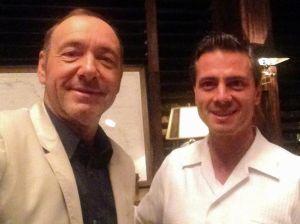 Kevin Spacey presume de foto con Peña Nieto