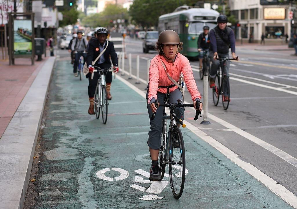 Las autoridades planean abrir este año más de 15 millas de nuevos carriles de bicicletas