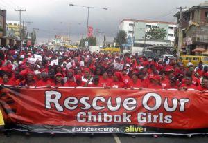 Buscan niñas secuestradas en Nigeria con aviones y drones