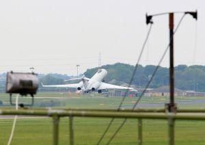 Avión militar británico se suma a búsqueda de niñas nigerianas