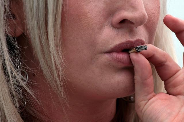 Pocos fumadores en NJ por el alto costo