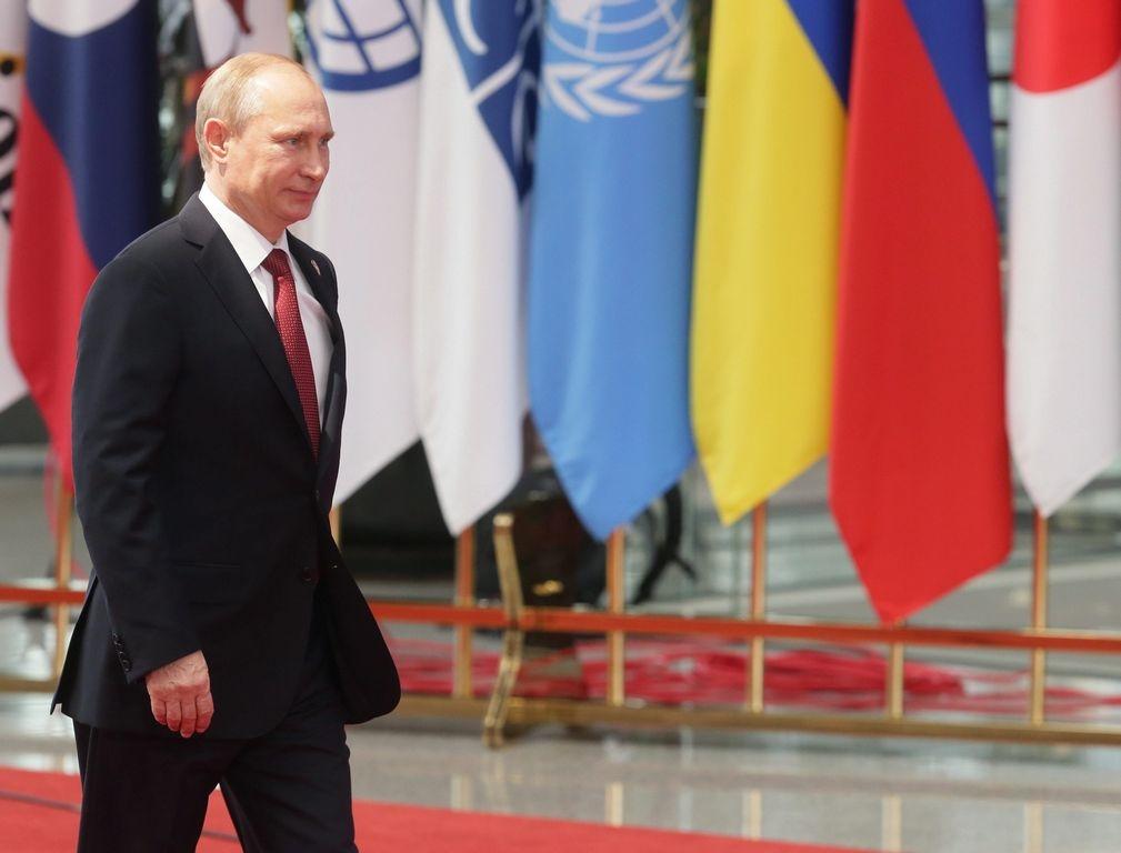 Príncipe Carlos compara a Putin con Hitler