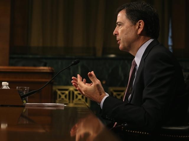 FBI: Clinton no debe enfrentar cargos criminales