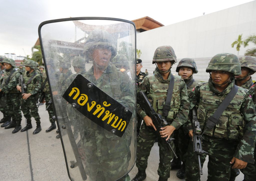 Ejército tailandés da golpe de Estado