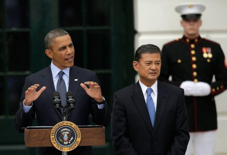 "Veteranos ""piden la cabeza"" del secretario Eric Shinseki"