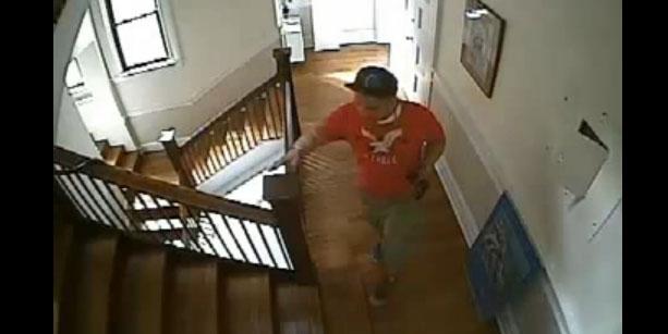 Cámaras captan a ladrón que robó $11,000 de iglesia en Manhattan
