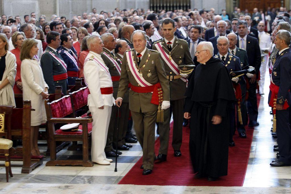 El rey de España aparece junto a su hijo tras abdicar