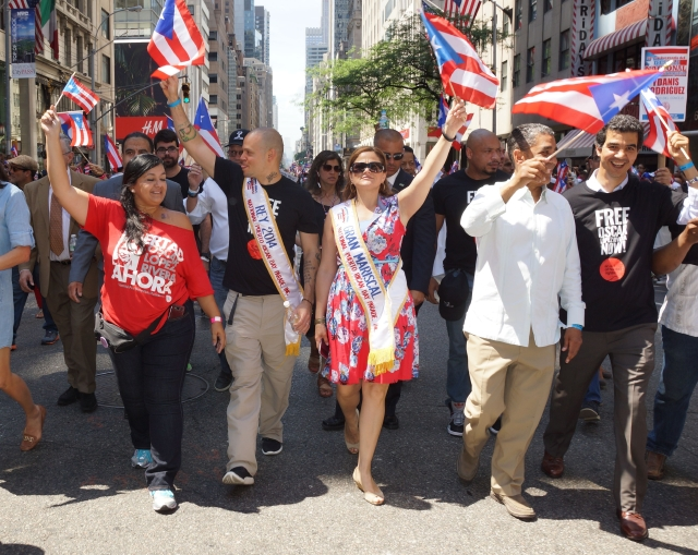 Los políticos también gozaron con el desfile
