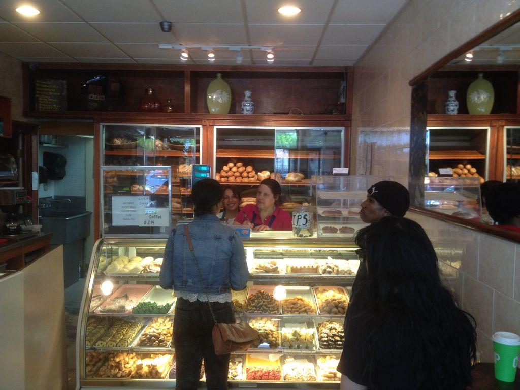 Panadería en Brooklyn vive el Mundial con lealtades divididas