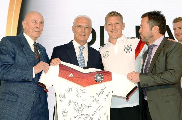 Beckenbauer castigado por FIFA por no colaborar