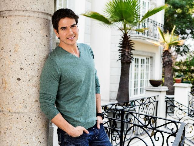 Daniel Arenas habla de su 'pasión' por Maite Perroni