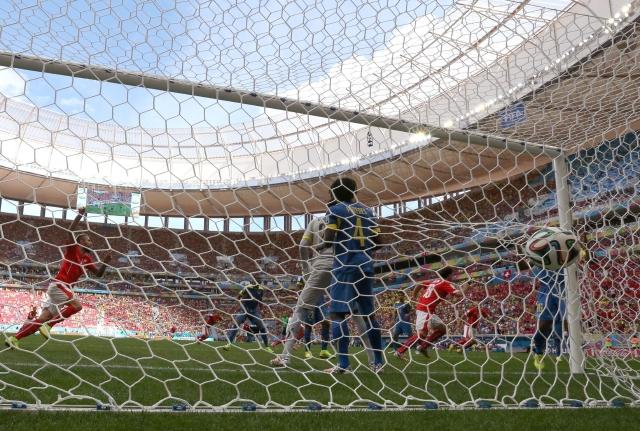 Suizos le amargan el debut a Ecuador