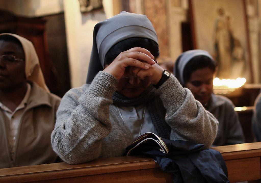 Las monjas denuncian que la música es tan perturbadora, que las distrae cuando tratan de realizar sus rezos nocturnos.