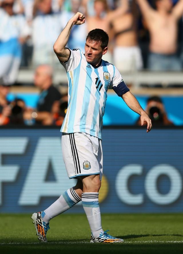 El genio de Messi salva a Argentina