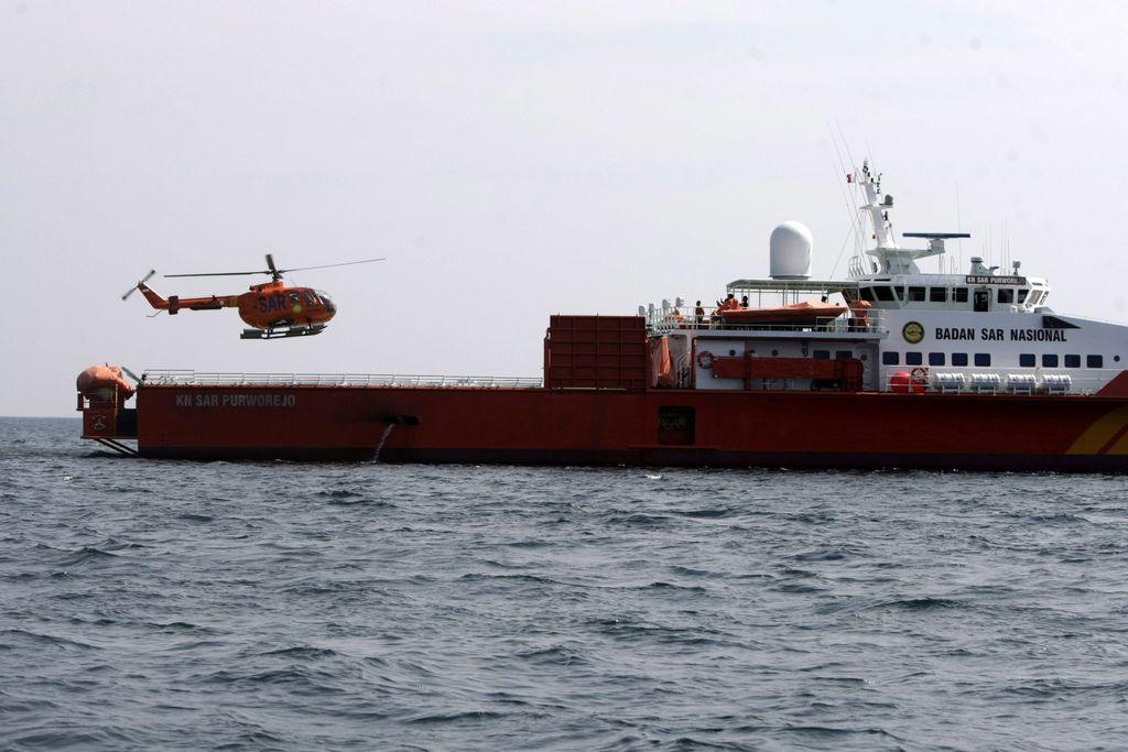 Modifican zona de búsqueda de avión malasio desaparecido