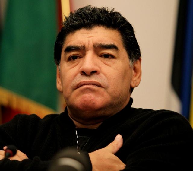 Maradona replica: '¡pobre estúpido!'