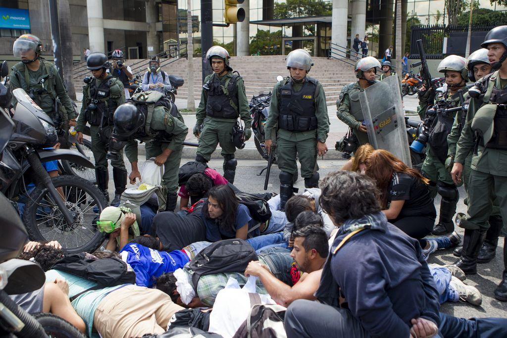 Estudiantes venezolanos anuncian movilización