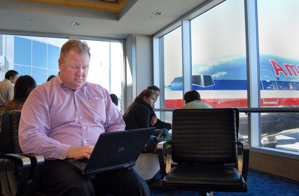 Aeropuertos de NYC ofrecerán internet gratis