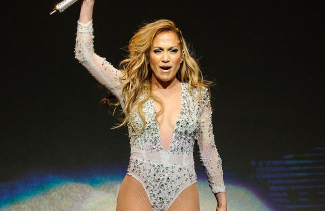 ¿Quién dijo que Jennifer López no tiene curvas?